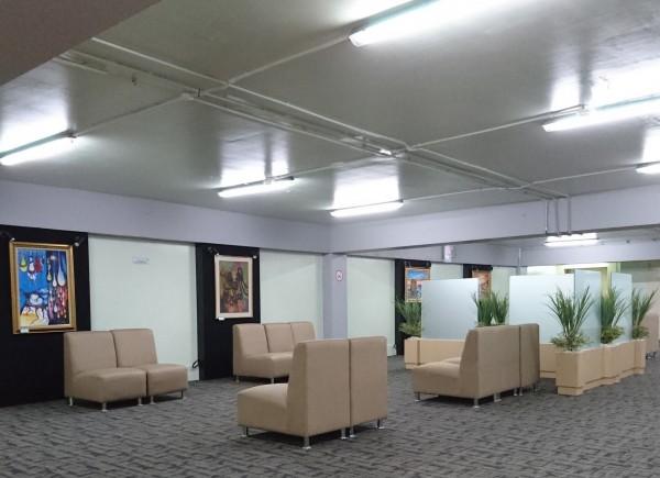 Angkasa Pura (AP) II memperkenalkan Umroh Lounge pada Jumat (20/11). Lounge Umroh diresmikan pada 13 Agustus lalu bersamaan HUT AP II. Lounge Umroh & Haji Plus berada di Gedung 632 Bandara Soekarno-Hatta seluas 2,000 meter persegi dengan fasilitas antara lain makanan (F&B) prasmanan dan kantin, mushalla yang luas, FIDS (Flight Information Data System), ATM & Money changer, Locker pengunjung dan lain-lain.