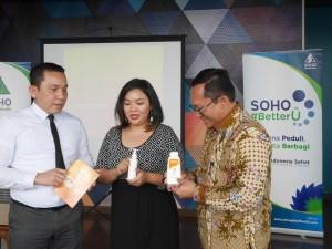 "Diskusi Dermatitis Atopik: Kiri-kanan, Roby Gonaroy (Group Product Manager for Profesional Product SOHO Global Health), Dr. Rachel Djuanda, SpKK. Dermatologist dari Rumah Sakit Bunda, Jakarta)  dan Widi Nugroho Sahib (Head of Public Relations and General Services SOHO Global Health) pada diskusi ""Dermatitis Atopik, dan Bagaimana Menanganinya"" di Jakarta, Selasa (15/12)."