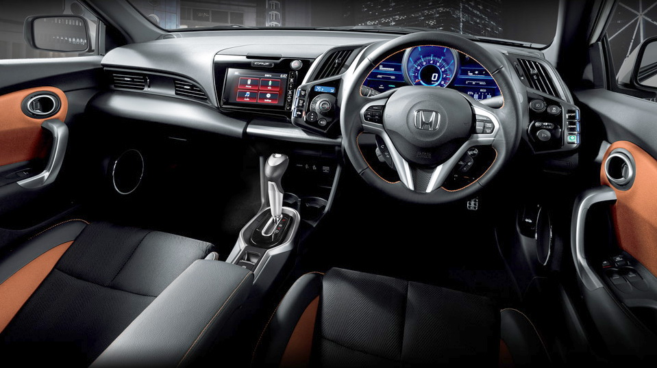 Sektor interior New Honda CR-Z, elegan dan sporty.  Ist
