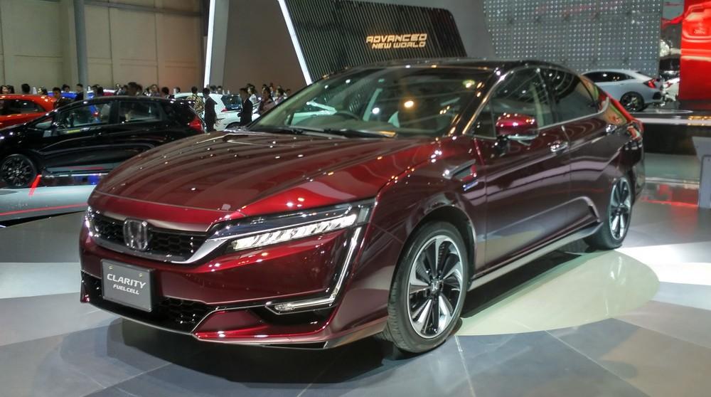 Honda Clarity Fuel Cell (NExtID)