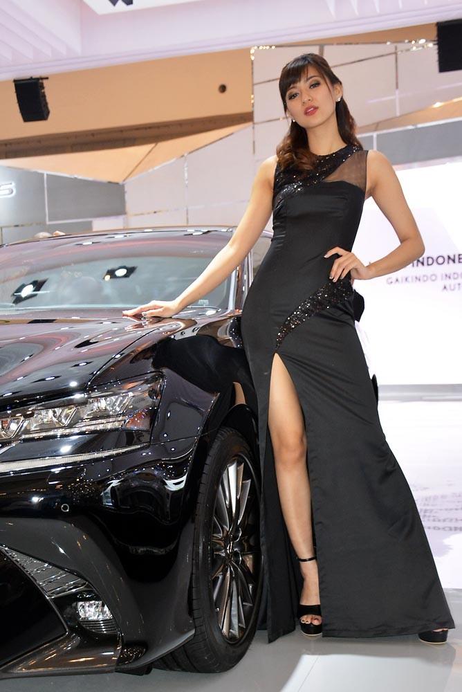 Liukan indah dari SPG di booth Lexus. (NextID)