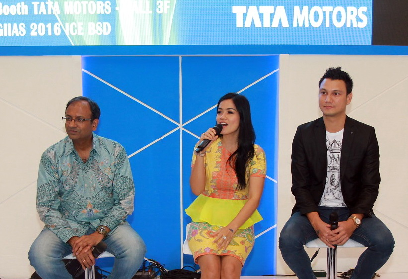 Testimoni Titi Kamal atas penggunaan truk Tata untuk usahanya.  Ist
