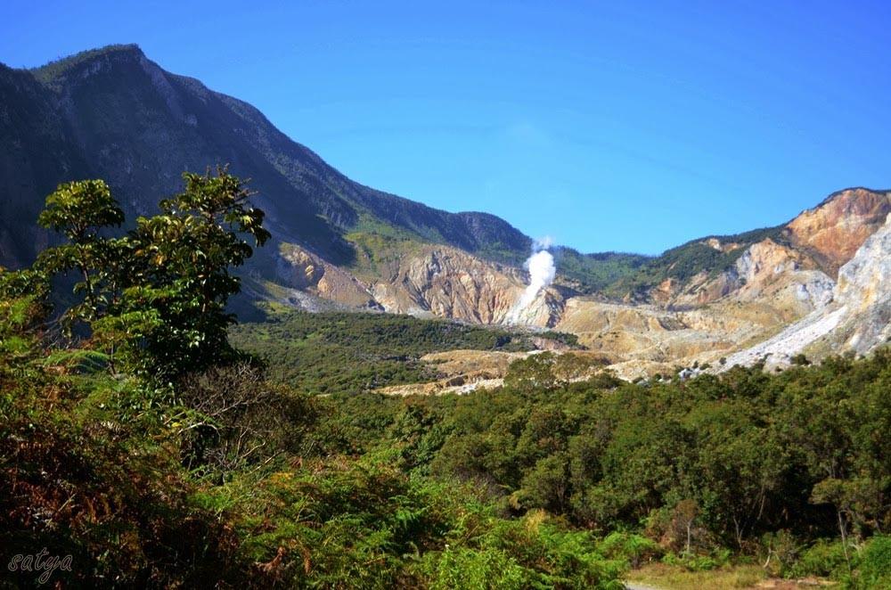 Gunung Papandayan (jelajahgarut.com)