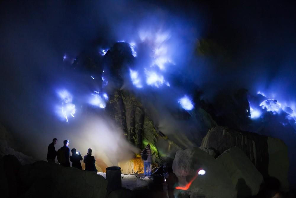 Gunung Ijen (agentwisatabromo.com)