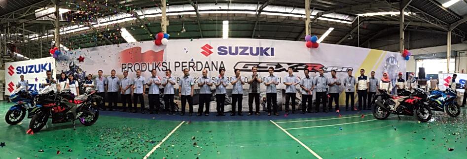 Seremoni produksi perdana Suzuki GSX-R 150 di Indonesia yang dilakukan di Pabrik Tambun 1.  Ist
