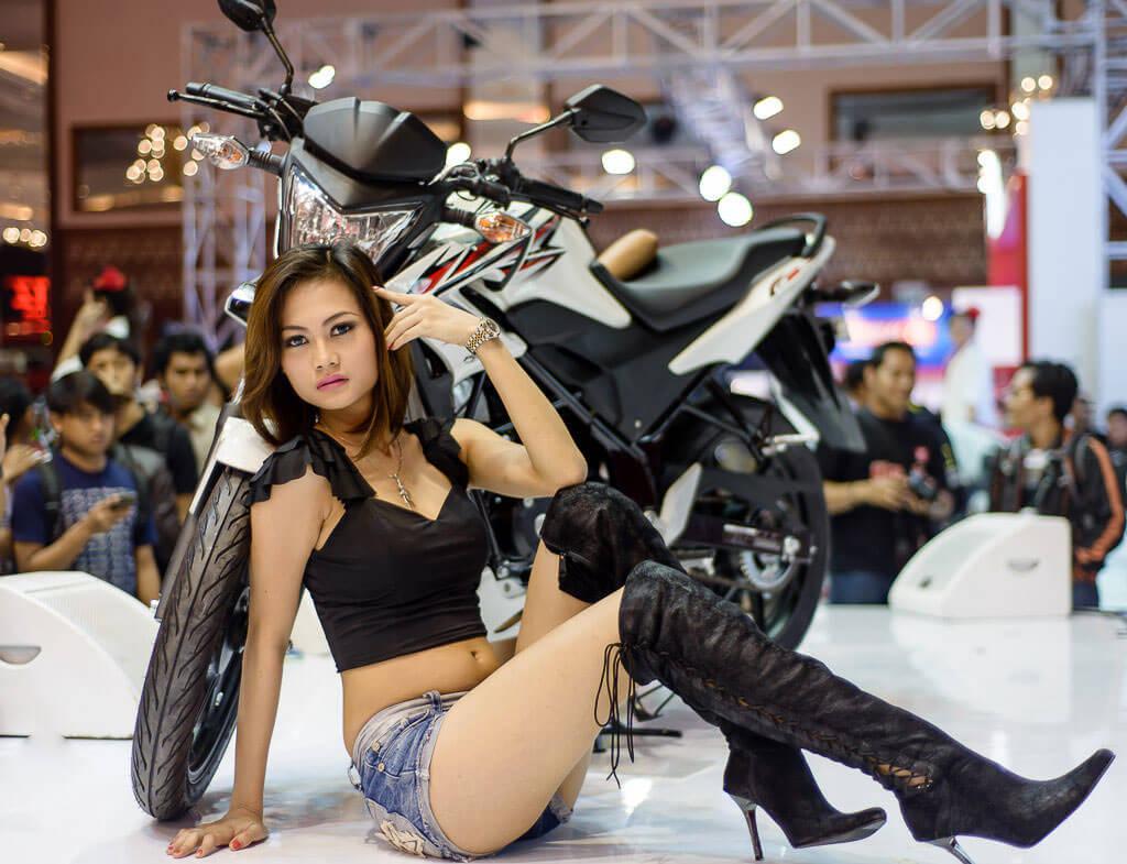 Honda CBR150 menjadi pusat perhartian, bukan karena ada model molek tapi memang karena motornya oke.  Ist