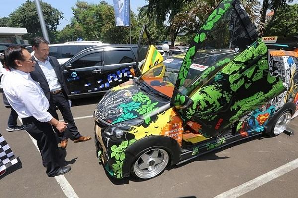 Sienta, salah satu model MPV Toyota yang turut ambil bagian dalam touring bersejarah ini.  Ist