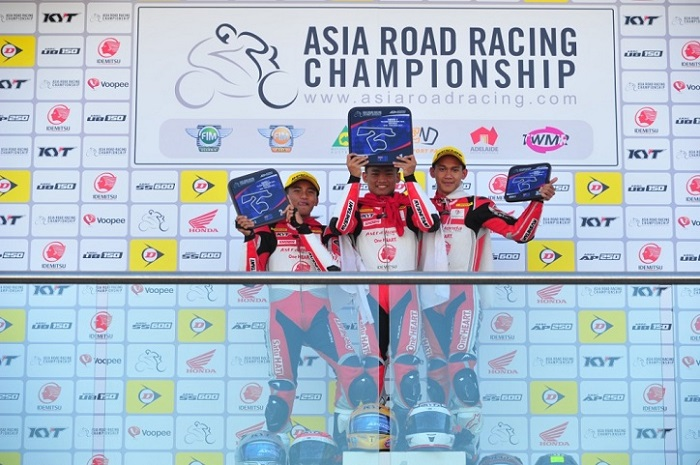 Rheza Danica Ahrens, Mario Suryo Aji, dan Awhin Sanjaya berhasil menyapu bersih podium balapan kedua Asia Road Racing Championship (ARRC) 2018 kelas AP250 di The Bend Motorsport Park, Adelaide, Australia, Minggu (22/4).  Ist