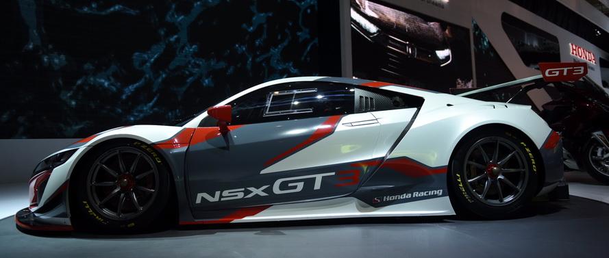 Honda NSX GT3 lengkap sebagai kendaraan balap: ya qanteng, seksi, dan berotot,  Ist