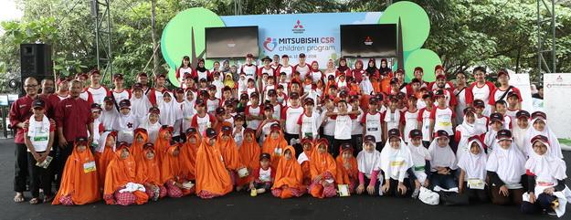 Mitsubishi mengundang anak-anak penghuni panti asuhan Yayasan Mizan Amanah dan Yayasan Tarbiyah Islamiyah Al-Falah untuk melakukan berbagai kegiatan edukasi yang dikemas dengan cara yang menarik dan menyenangkan.  Ist