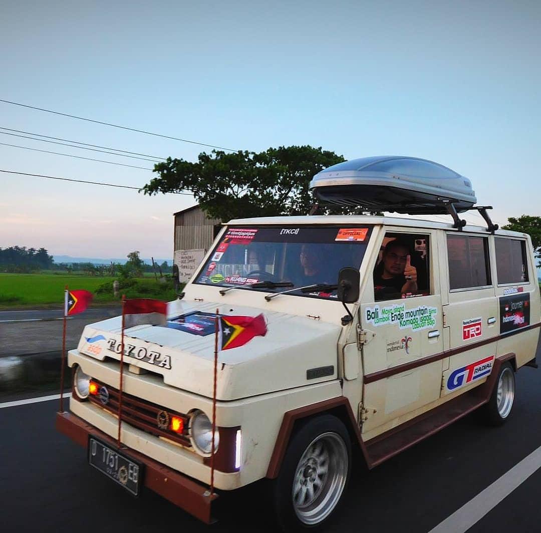 Dalam kegiatan akbar ini ikut serta satu unit Toyota Kijang Buaya (generasi pertama Kijang) yang ternyata sakti mandraguna untuk touring jarak jauh!  Ist