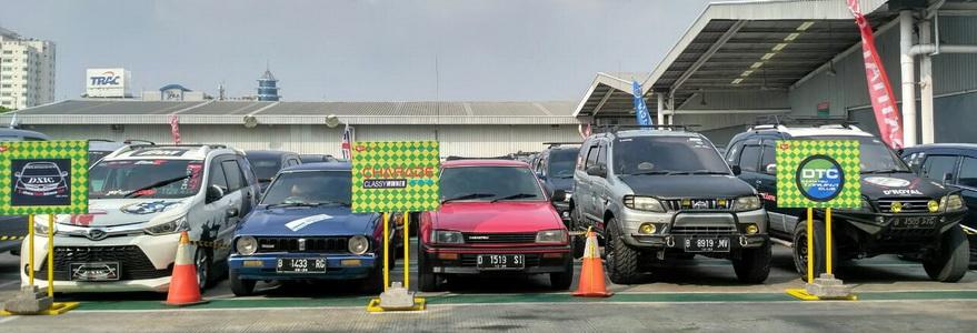 Sebagian klub Daihatsu yang turut dalam kegiatan mudik ini, terparkir rapi.  Ist