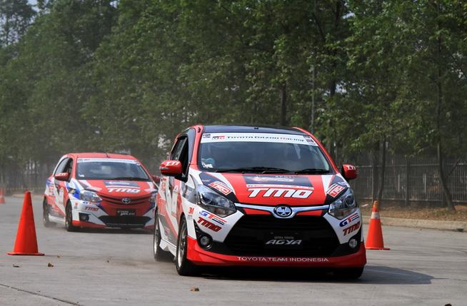 Di GIIAS 208, aksi TTI membuktikan kendaraan Toyota piawai untuk kegiatan motorsport dan penggunaan harian.  Ist