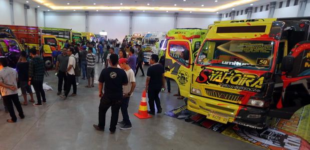 Canter Mania Indonesia Community (CMIC) yang datang dari berbagai kota di Indonesia memberi kesan tersendiri.  Ist