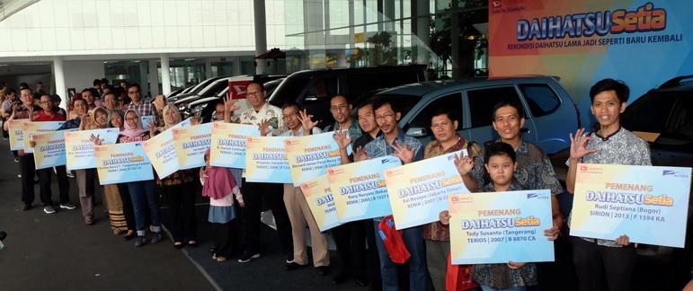 Deretan para pemenang Daihatsu Setia 2018 yang digelar di Tangerang.   Ist