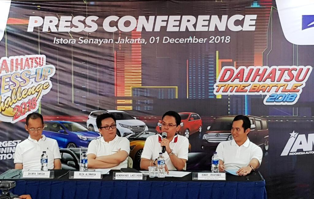 Dalam acara konperensi pers, para nara sumber memberi penjelasan rinci soal acara tersebut. Tampak Rokky Irvayandi (kanan) selaku Executive Coordinator, Domestic Marketing Division PT Astra Daihatsu Motor (ADM).  Ist