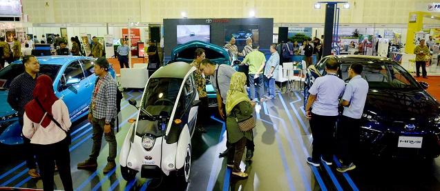 Inilah model kendaraan listrik Toyota yang dipamerkan pada IEMS 2019. Ist