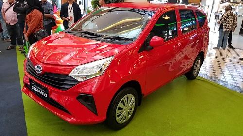 Warna 'membara' dari New Astra Daihatsu Sigra.  Ist