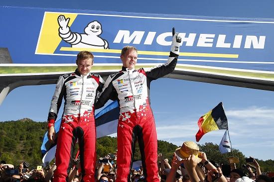 Pembalap Toyota GAZOO Racing World Rally Team Ott Tänak bersama co-driver Martin Järveoja.  Ist
