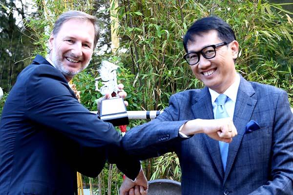 Dubes RI Jerman Arif Havas Oegroseno, (kanan).  Ist